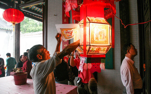 錦田鄧氏點燈與洪聖誕