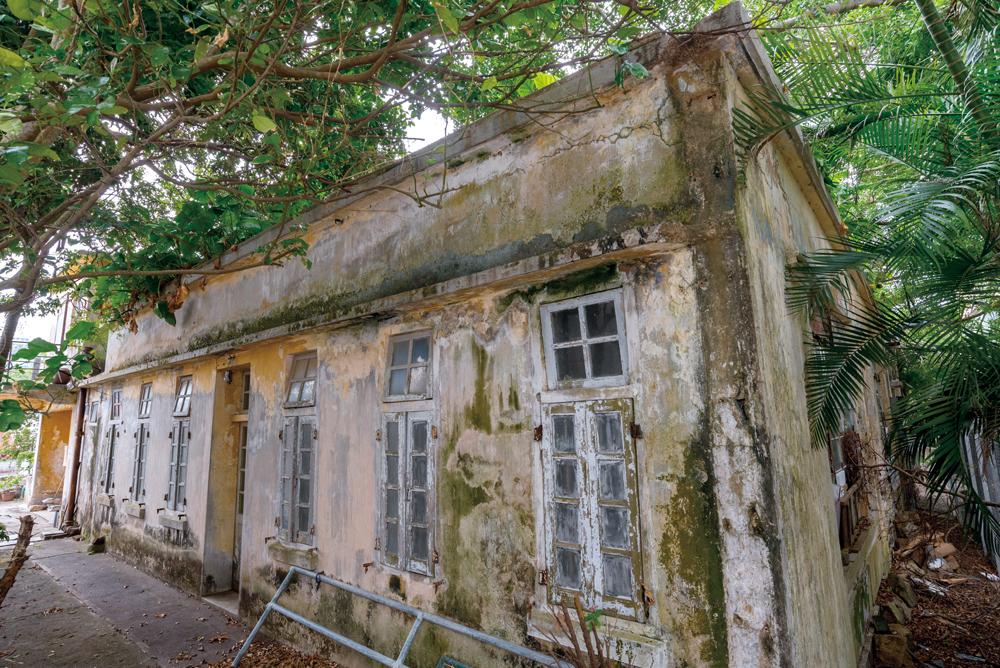 歷史悠久的方便醫院,1988年停止運作後一直荒廢。