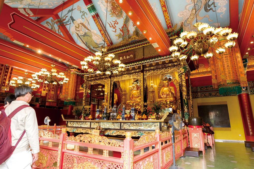 大雄寶殿供奉三世佛,已有近五十年歷史。